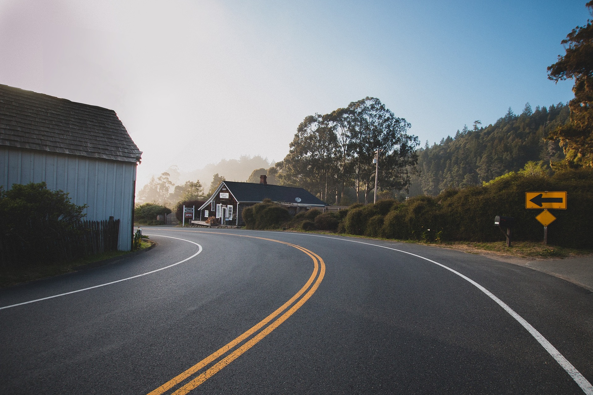 road-863126_1920